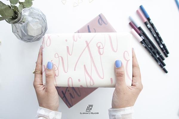 El Amante Volador - Libro Brush Pen Lettering. Papel de regalo con rotuladores Tombow.