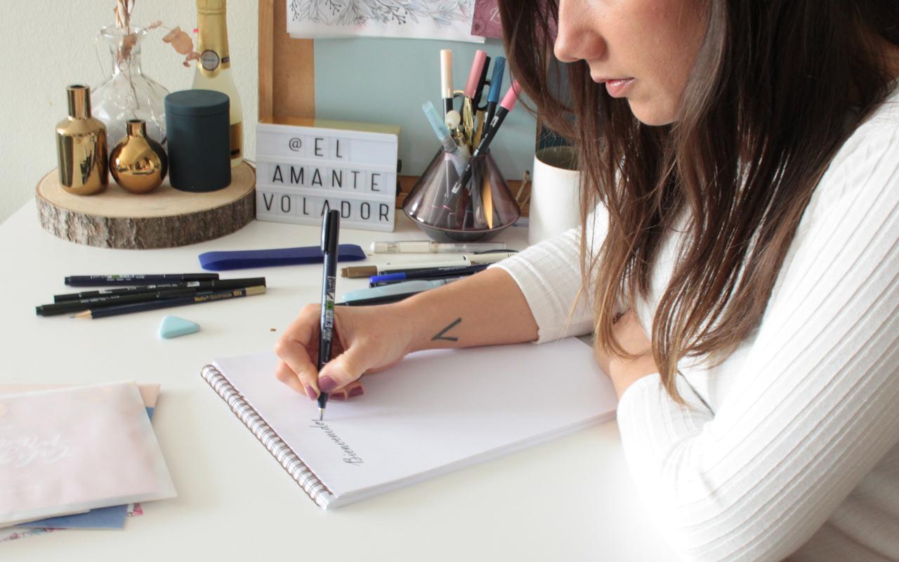 5.5conectar_letras_03_curso_online_caligrafia_moderna_el_amante_volador
